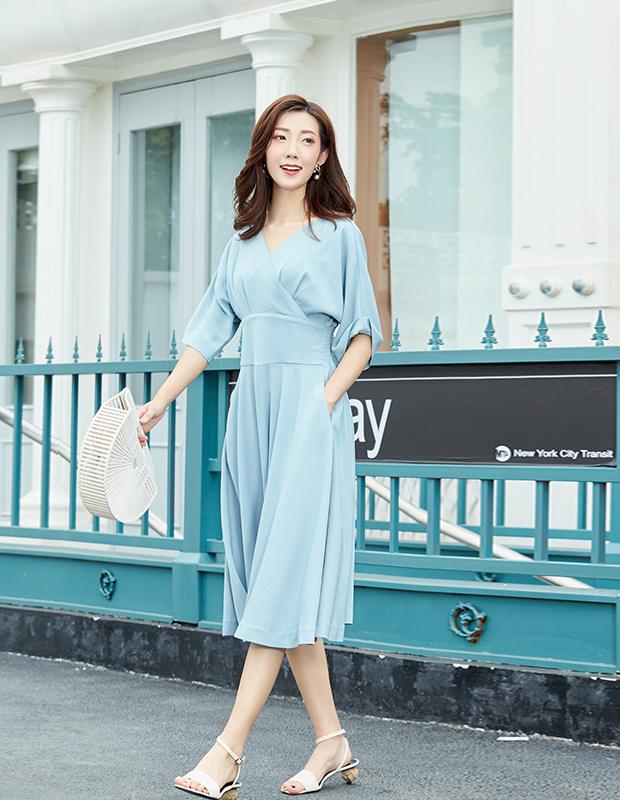【伊霓裳】YYBJ-0030 复古V领高腰优雅连衣裙