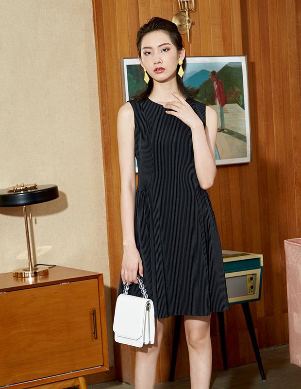 【伊霓裳】YYBJ-0047 通勤暗條無袖連衣裙
